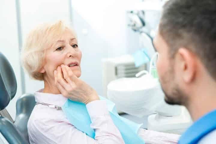 pijn aan gebitprothese